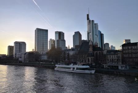 Immobilienbewertung Frankfurt. Gutachter Wertermittlung Haus