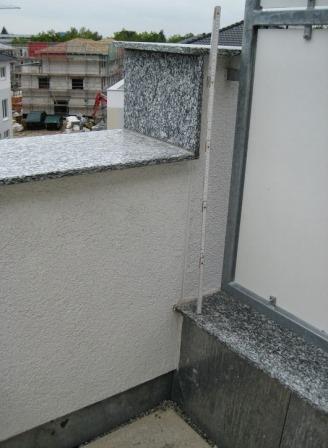 Bauabnahme mit Gutachter - Balkonbrüstung
